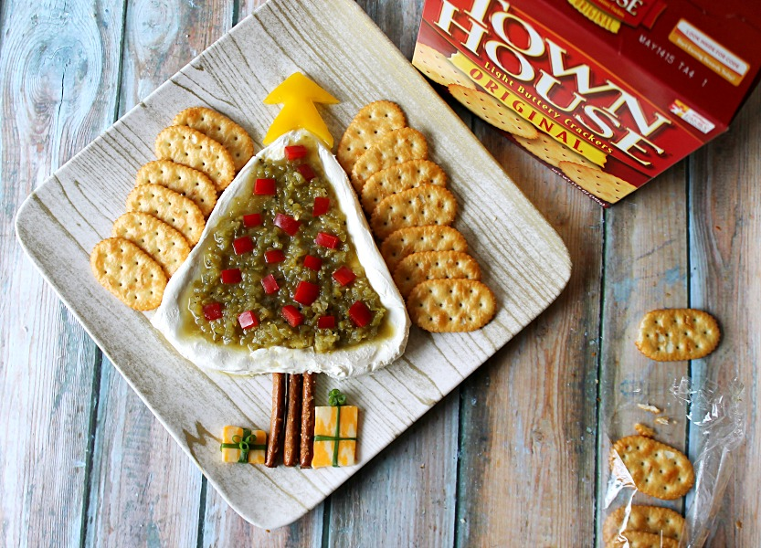 Salsa Verde Cream Cheese Christmas Tree #WaysToWow #CollectiveBias