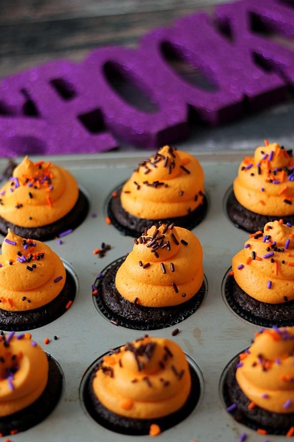 Spooky Orange Scream Cupcakes