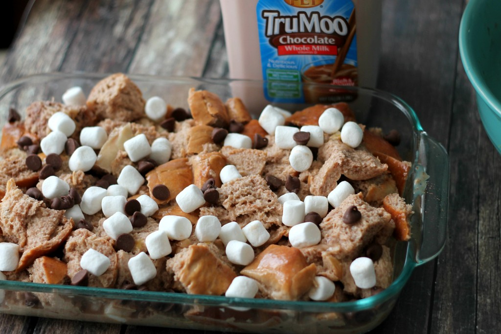 Layer with marshmallows and chocolate chips