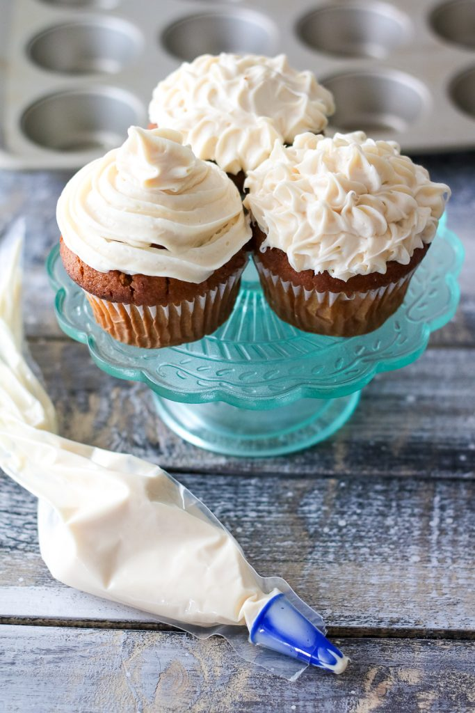 Pumpkin Cupcakes with pillsbury cream cheese pastry bag (1 of 1)