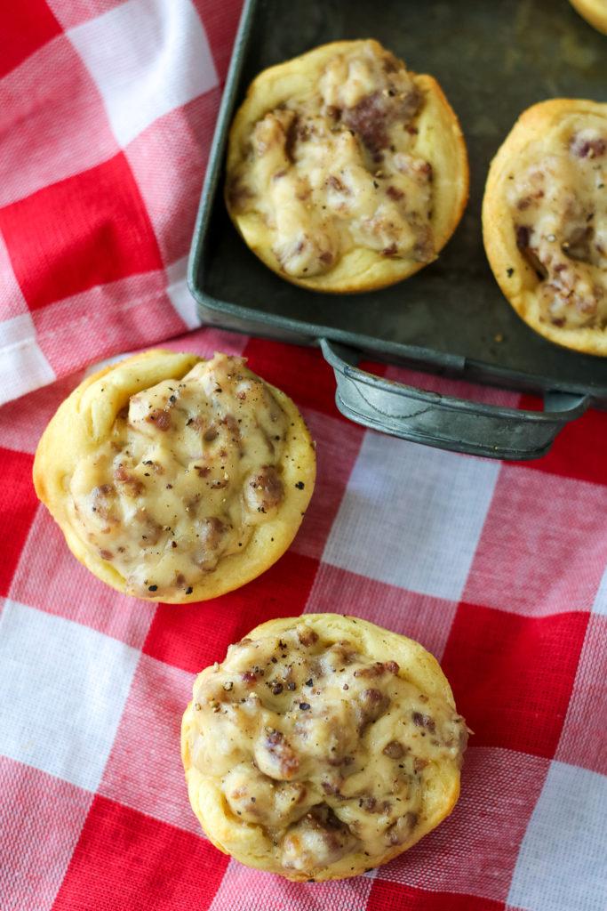 Sausage Gravy Biscuit Cups-2
